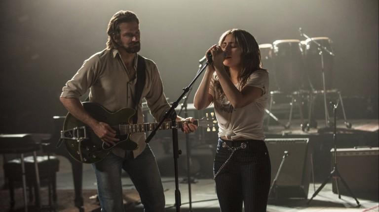 Bradley Cooper e Lady Gaga em 'Nasce Uma Estrela'