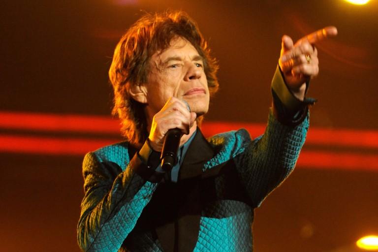 Fazendo jus ao apelido de pé frio, Mick Jagger chega a SP para aniversário do filho em meio a tragédia política no país