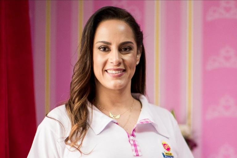 Silvia Abravanel, segunda filha de Silvio Santos, foi adotada pela família recém nascida, com três dias de vida.