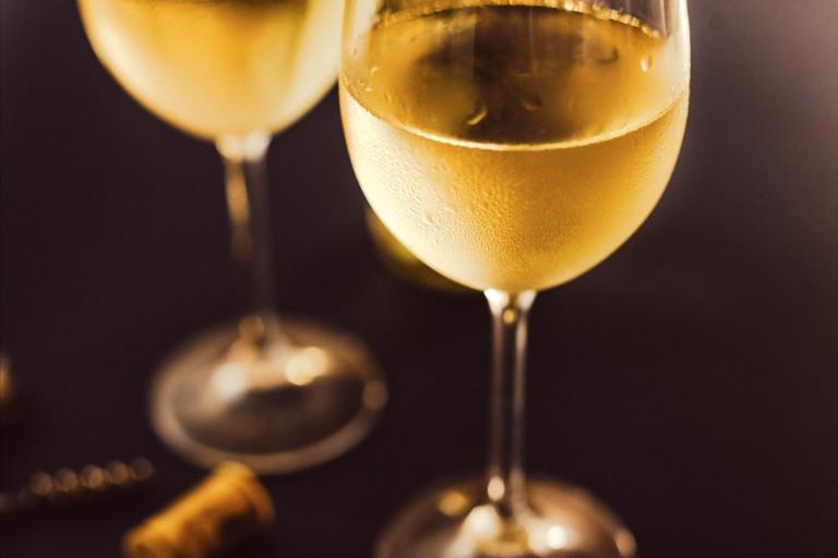 Após pressão, governo retira análises que encareceriam vinho importado