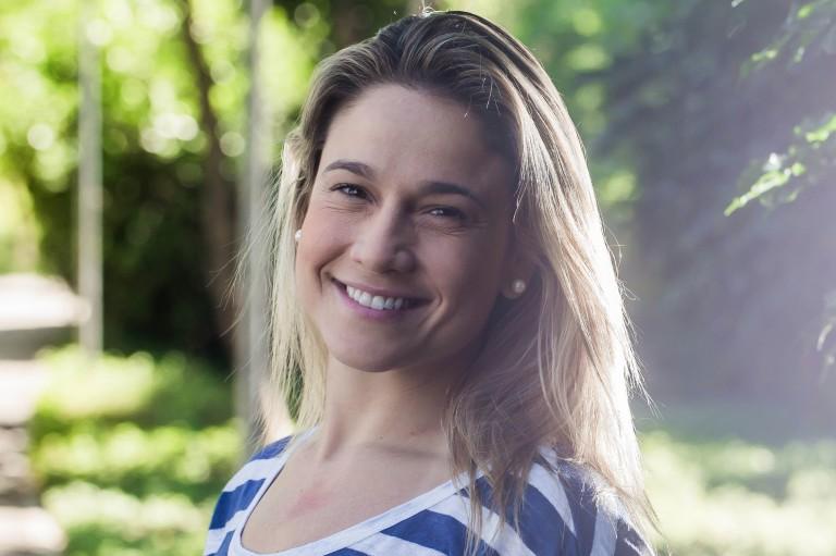 Fernanda Gentil fala sobre namorada: 'se organizar, dá pra saber qual maquiagem é de quem'