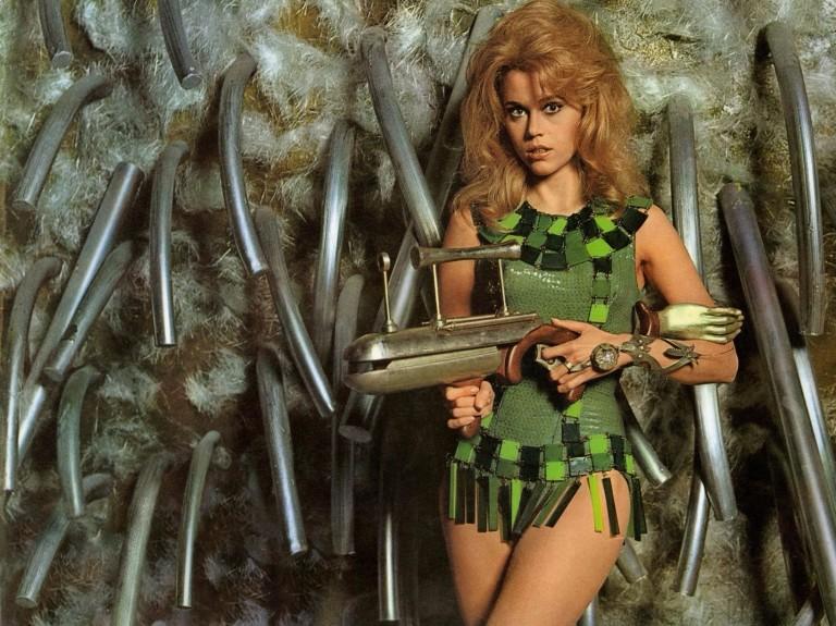 Jane Fonda como a personagem título de 'Barbarella'