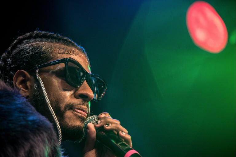 O rapper Rico Dalasam faz show no MIS