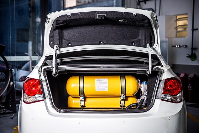 São Paulo, SP, Brasil, 30-05-2018: Cilindros de GNV instalados em porta malas de carro. (Foto: Alberto Rocha/Folhapress) **ESP CARREIRAS**